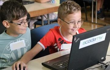 Kids learn to code